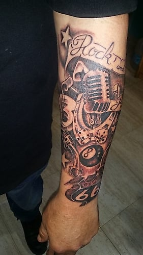 tattoo-old-school-microphone-rock-and-roll