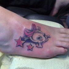 tatuaje-pie-estrella-calavera